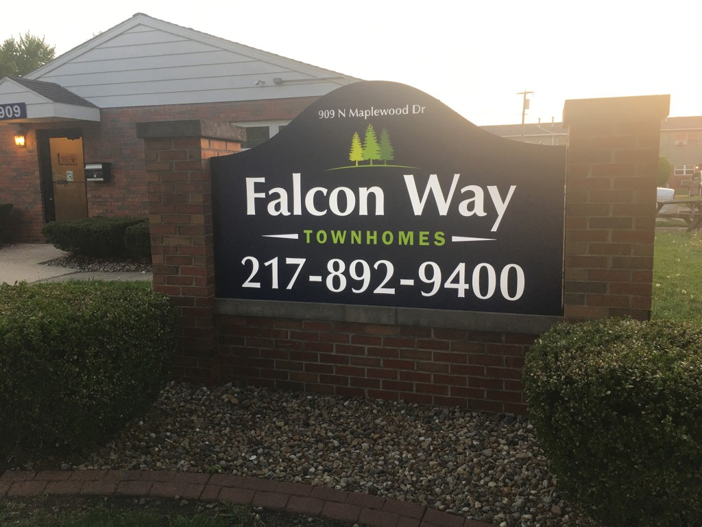 Falcon Way Townhomes_Sign