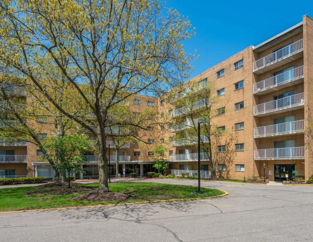 Grandview Pointe Apartments_exterior