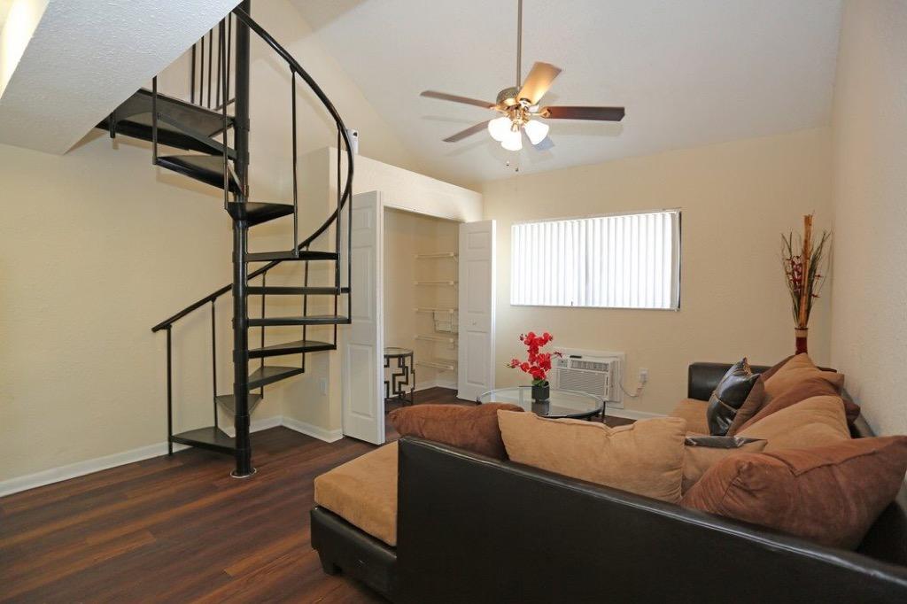 Tzadik Oaks_spiral-stairs