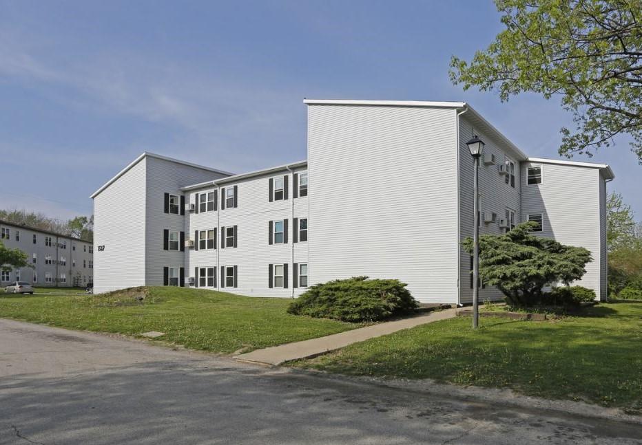 Windcrest Apartments_Exterior-2
